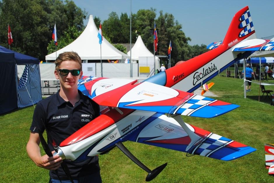 Oliver Fuchs : Pilot