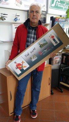 Elmar Falch mit seinem Gewinn der Hausmesse 2015 - eine Yak 55m von GB-Models