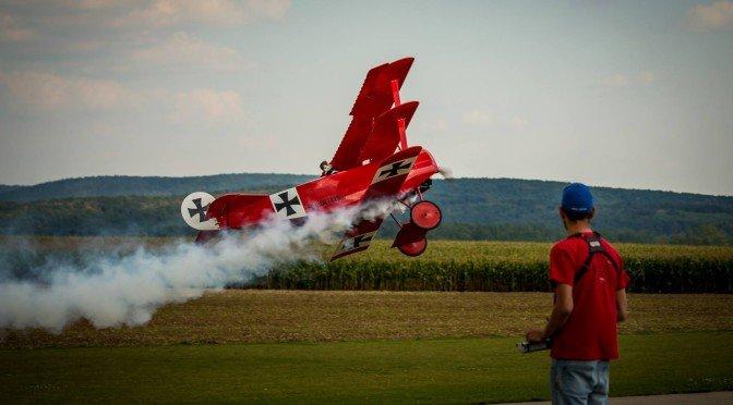 Gernot Bruckmann mit seiner großen Fokker